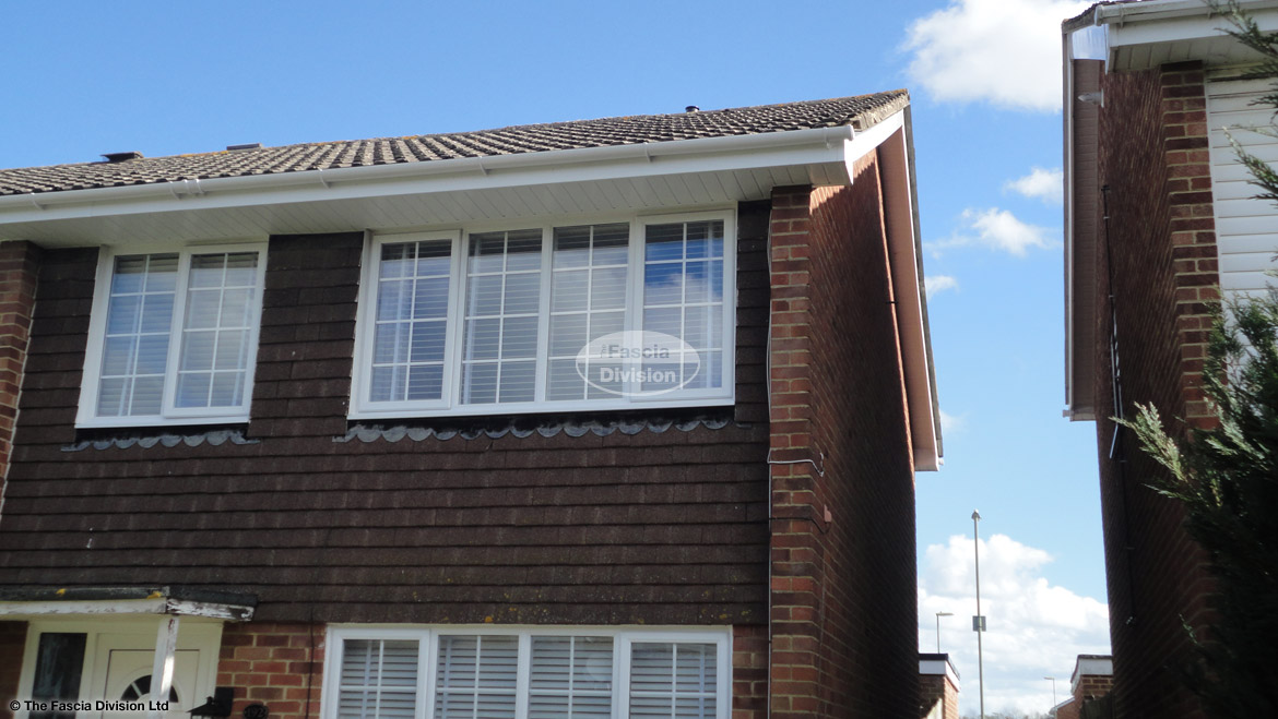 Installation new fascias soffits guttering Basingstoke white rooftrim